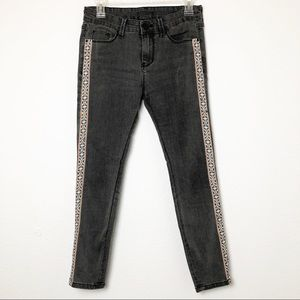 BDG Mid Rise Cigarette Gray Embroidered Jeans
